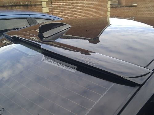 Roof Spoiler BMW E60 Tahun 2003-2010 Bahan ABS