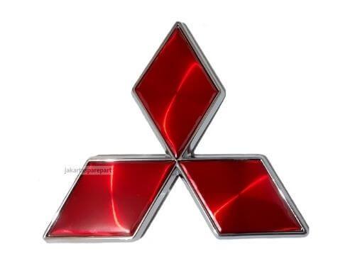 Emblem-Tiga-Berlian-Warna-Merah-Ukuran-10.2x9cm-For-Mitsubishi