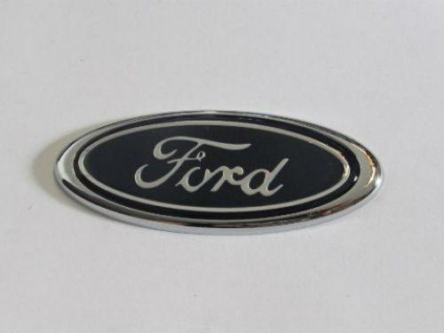 Emblem Logo Ford Warna Biru Ukuran 8.5x3.4cm