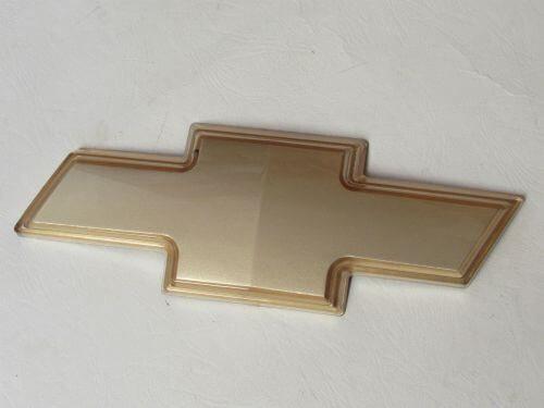 Emblem Logo Chevrolet Warna Gold Ukuran 13x4.8cm