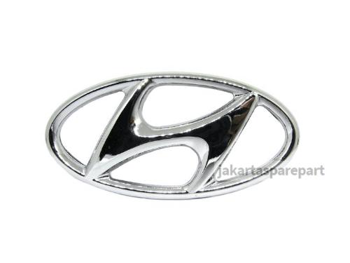 Emblem Logo Hyundai Warna Chrome Ukuran 14.5x7.2cm