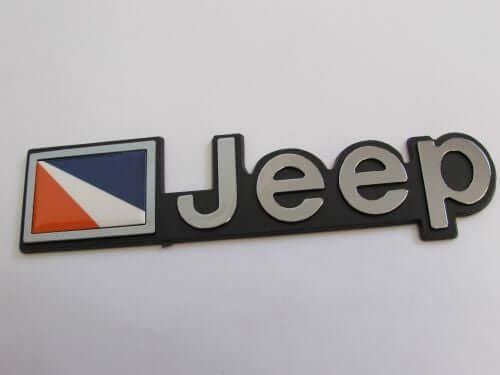 Emblem-Tempel-Jeep-Warna-Silver-Ukuran-16.8x4cm
