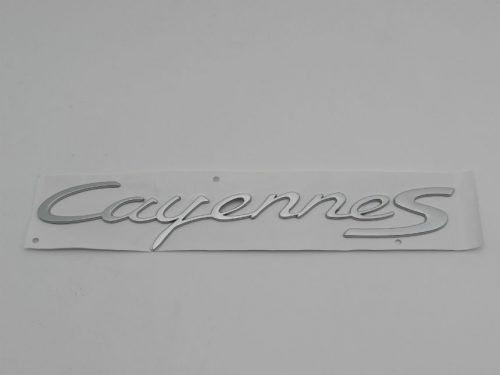 Emblem Tulisan CAYENNE S Warna Silver Ukuran 32.5x5.5cm For Porsche