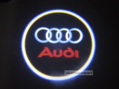 Contoh-Nyala-3D-Door-LED-Audi-Q7-2006-Nyala-Merah