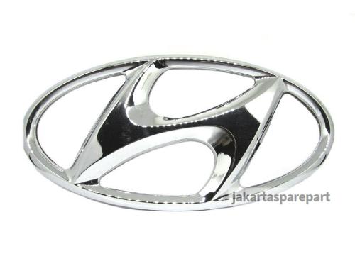 Emblem Logo Hyundai Warna Chrome Ukuran 17x8.5cm Berkaki (Dilengkapi Perekat)