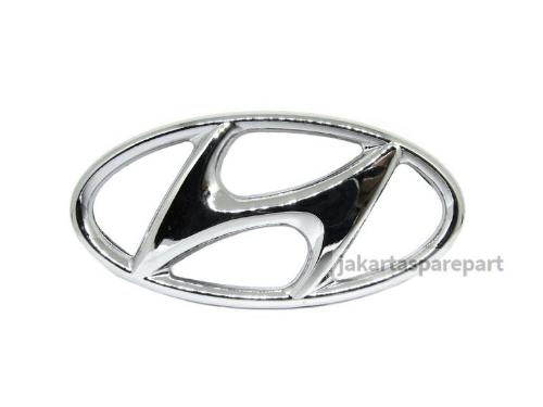 Emblem Logo Hyundai Warna Chrome Ukuran 9.8x5cm Berkaki (Dilengkapi Perekat)